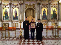 In the year of 100th anniversary of St. Raphael's of Brooklyn repose his holy icon was gifted to Antiochian Cathedral of Brooklyn